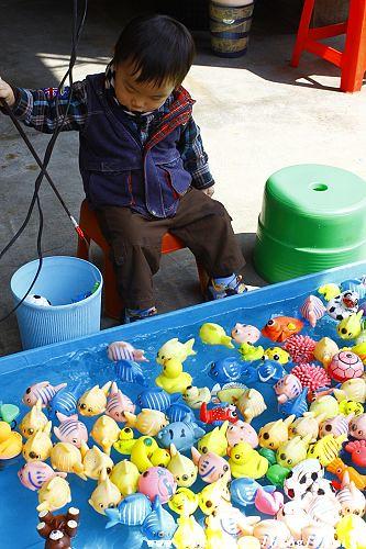 [育兒日誌]打彈珠、釣魚進化版 @VIVIYU小世界