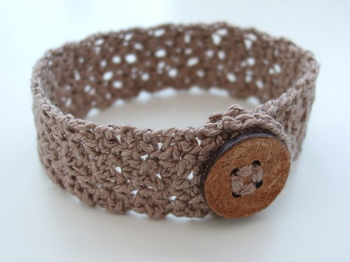 Crochet wrist cuff