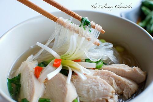 Miến Gà (Vietnamese Chicken Glass Noodle Soup)