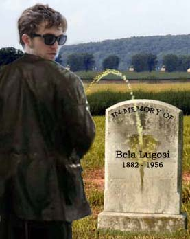 Pattinson pissing on Lugosi's grave