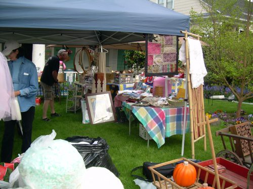 Covered yard sale