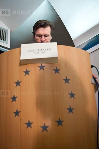 20110321_0006-zoran-thaler-resignation