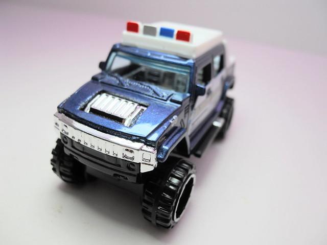 hot wheels hummer h2 police blue (3)