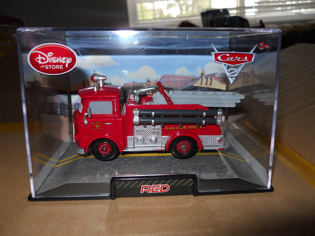 DISNEY STORE CARS 2 RED