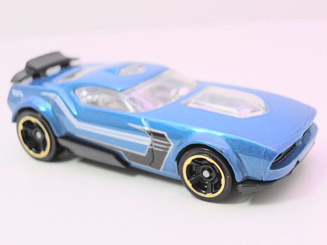 hot wheels fast fish blue (2)