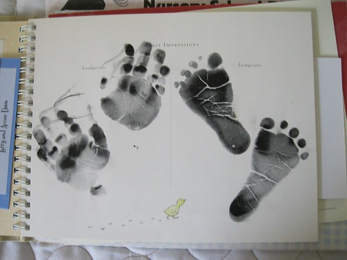 WLD: feet/hands stamps: the pattern