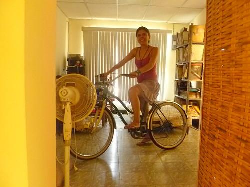 Hola, Bicicletera. by la nave de los locos