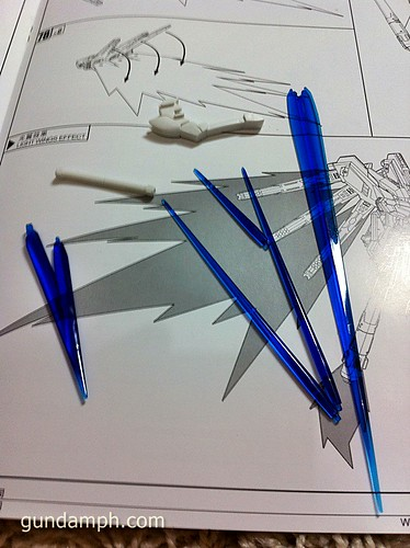 Building MC RX-93-2 Hi Nu Gundoom Gundam (24)
