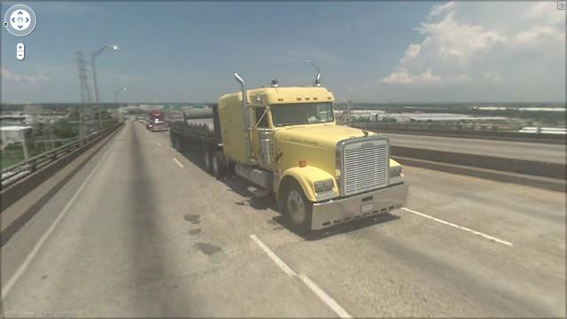 yellow bridge truck.png