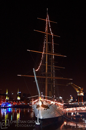 """Puerto Madero • <a style=""""font-size:0.8em;"""" href=""""http://www.flickr.com/photos/20681585@N05/5893221164/"""" target=""""_blank"""">View on Flickr</a>"""