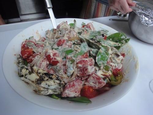 Snow pea, tomato & capsicum salad