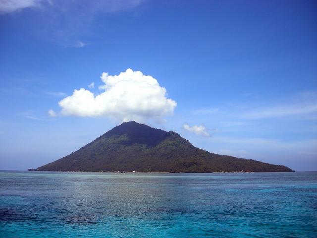 Best Diving Sites In Bunaken Manado Indonesia Scuba Dive Reviews By Divezone