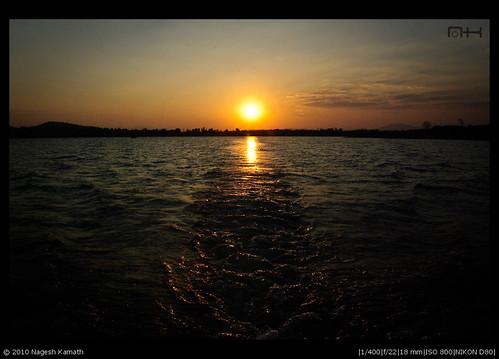 Leaving behind a setting sun | Kabini
