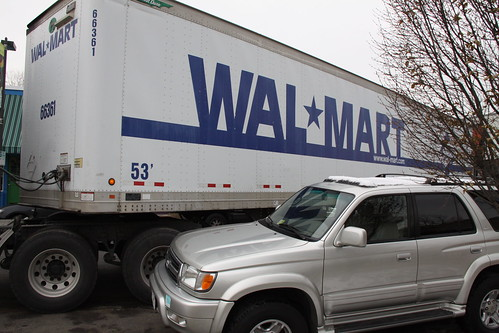 Wal-Mart Truck Stuck in Carytown