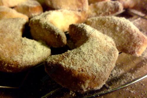 Croissants de Noël à la vanille / Christmas Vanilla  Horns / Vanillekipferln