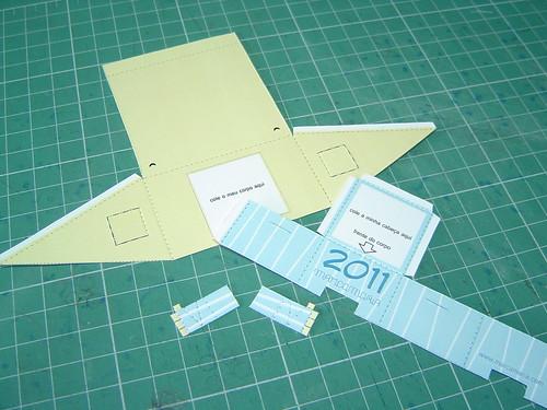Peças cortadas do paper toy