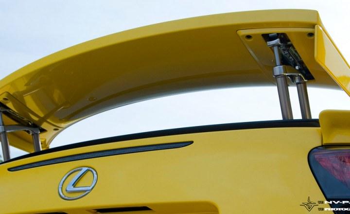 yellow Lexus LFA rear spoiler