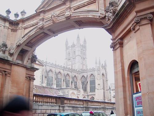 201012220109_Bath-abbey