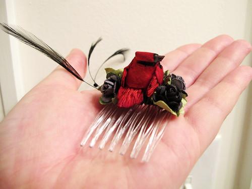 Red cardinal - hair comb