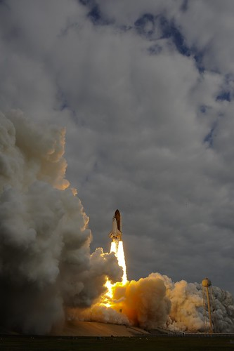 Endeavour roars up to sky with STS-134 Roberto Vittori and AMS-02
