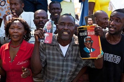 Duvalier-Supporter2
