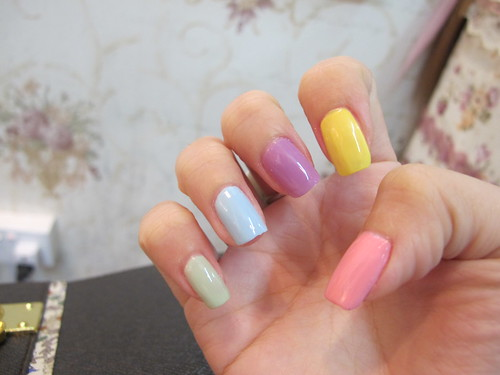 Singapore Lifestyle blog, beauty, nails, manicures, candy nails, millys