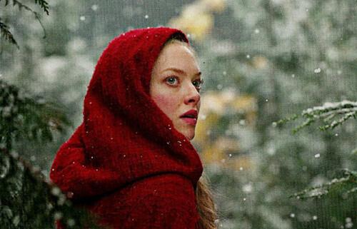 Red-Riding-Hood-Amanda-Seyfried