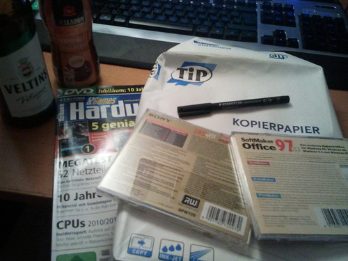 testobjekte: bier, kaffee, zeitschrift, stift, kopierpapier, software, dvd-rohling