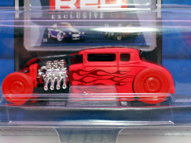 maisto all star red 32 ford chase (2)