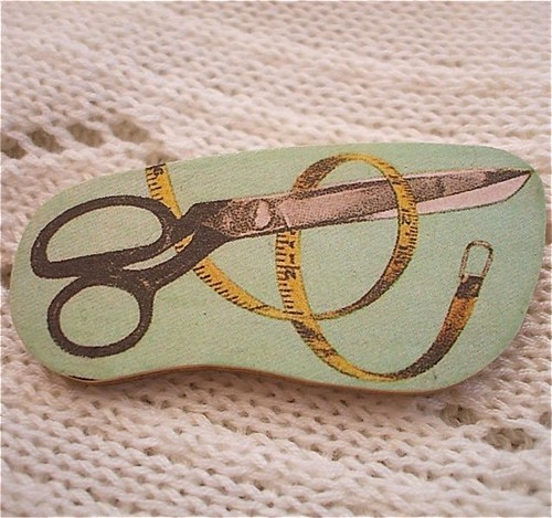 Brooch Antique Sewing Scissors