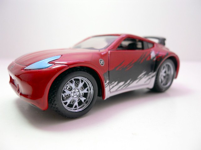 maisto custom shop fifty 5's 2009 Nissan 370Z (3)