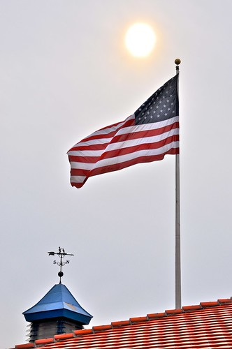 Simon and The Pieman - Howard Johnsons Weather Vane and American Flag and Orange Roof