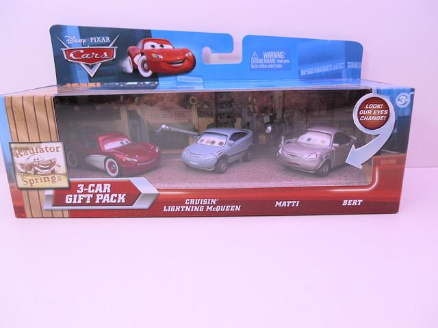 disney cars radiator springs gift pack (1)