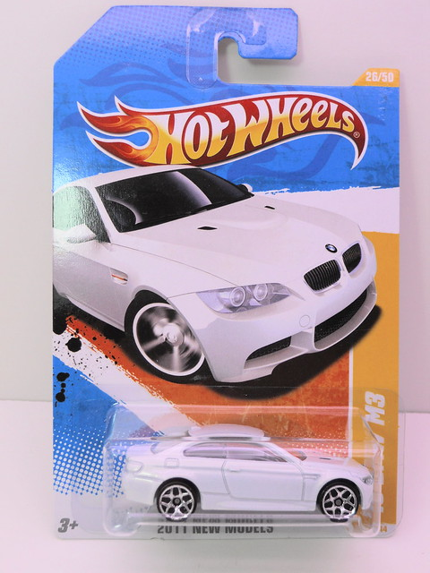 hot wheels '10 bmw m3 white (1)