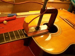 Vintage Acoustic Guitar Repair : Harmony Sovereign H1260 (5/6)