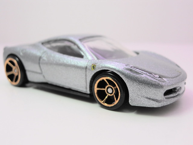 hot wheels ferrari 458 Italia silver (3)