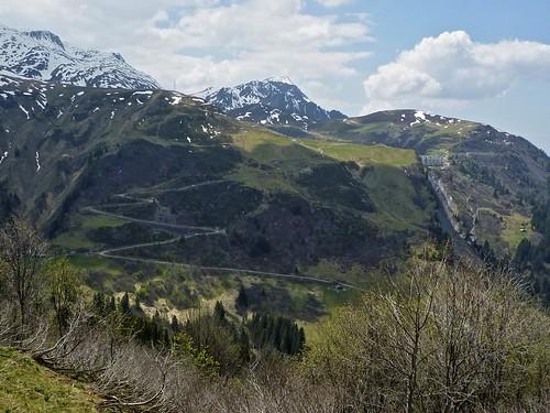 View of route to Lac de la Girotte