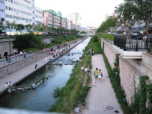 Cheong Gye Cheon Stream, Seoul