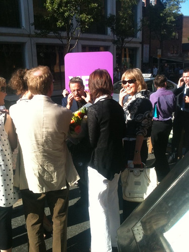 An empassioned Eddie Izzard talking to people on the street about AV