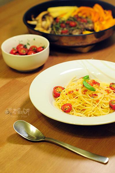 油漬蕃茄蒜末辣味義大利麵