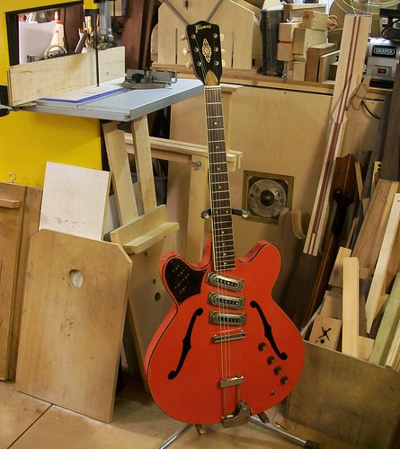guitar restoration framus fret jet 1965 graham parker luthier this is duncan he s owned this guitar for over 30 years and is very happy about its restoration