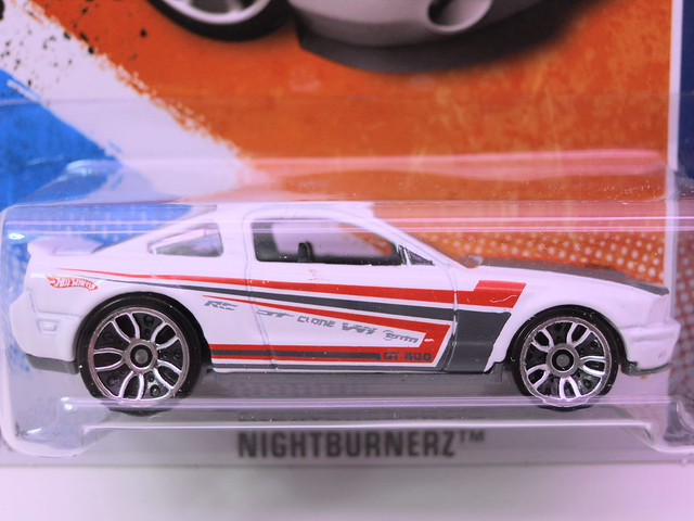 hot wheels '07 ford shelby gt500 (2)
