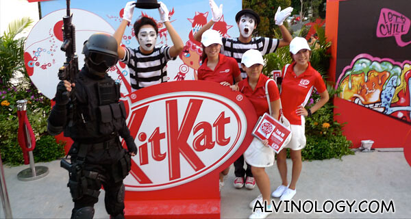 1 soldier, 2 clowns and 3 Kit Kat girls