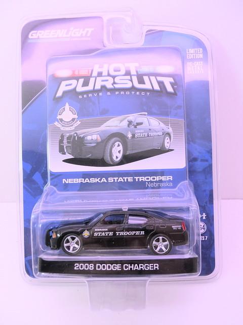 greenlight hot pursuit 2008 dodge charger nebraska state trooper  (1)