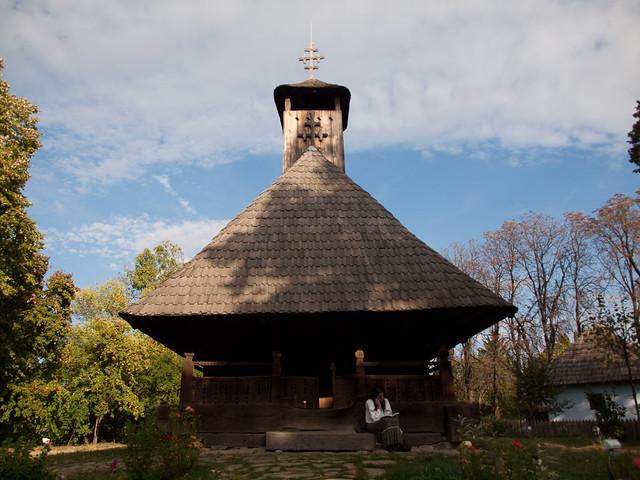 La umbra bisericii