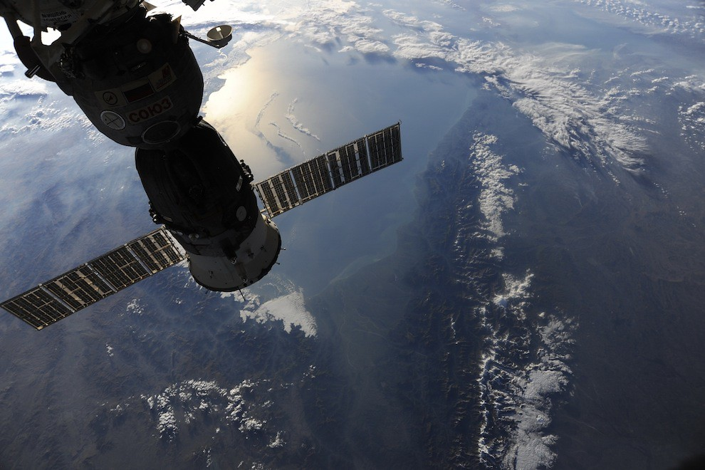 5197444580 bb96c62967 b Incredible Space Pics from ISS by NASA astronaut Wheelock [29 Pics]