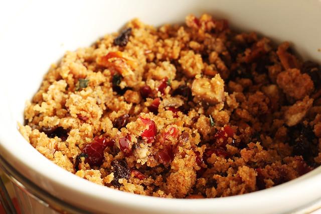 Vegan Cranberry and Pecan Stuffing #veggieangie