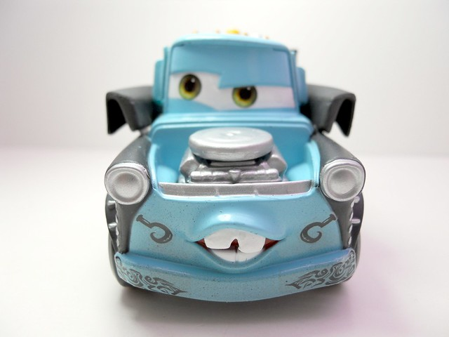 Disney Store CARS Heavy Metal Mater (2)