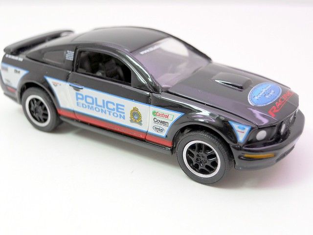 greenlight hot pursuit 2008 edmonton,alberta police service 2008 ford mustang gt (2)