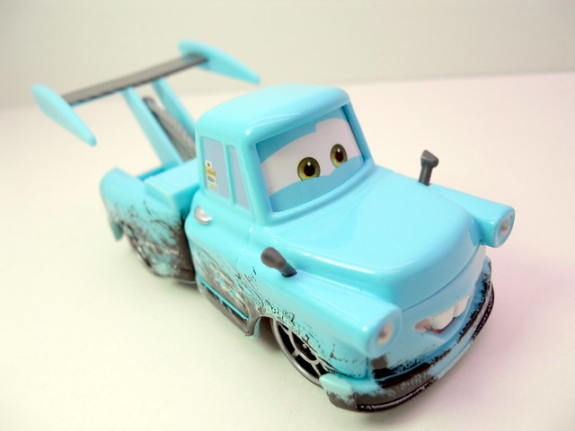 disney cars toon tokyo mater with oil stains (3)